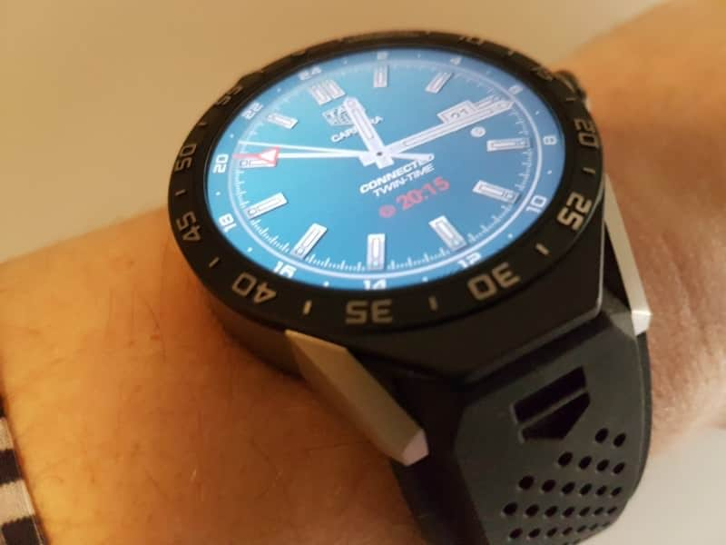 Side view of band and watch of the Tag Heuer Connected smartwatch