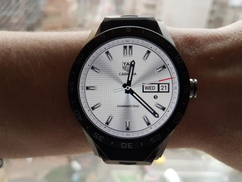 Tag Heuer Connected smartwatch GMT white watch face