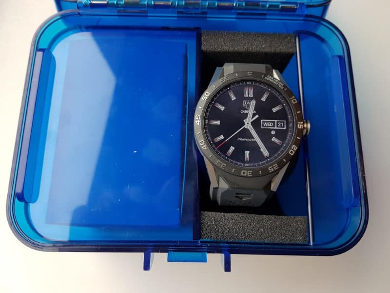 Tag Heuer Connected smartwatch in the nice blue case