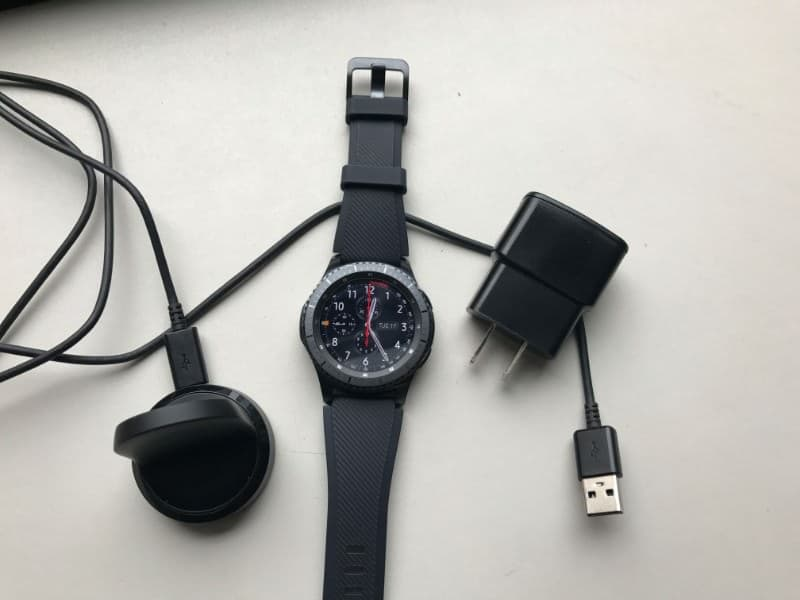 Charger and watch for the Samsung Gear S3 Frontier