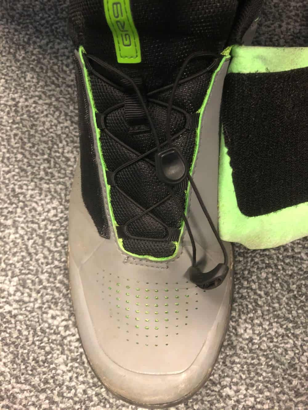 Speed lace and velcro flap for the Shimano GR9 shoes