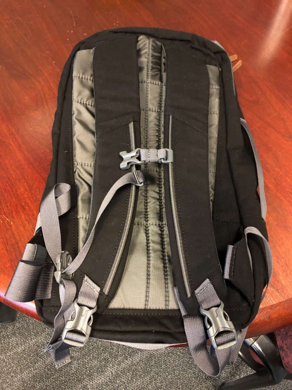 Close up photo of the shoulder straps for the Cotopaxi Nazca travel pack