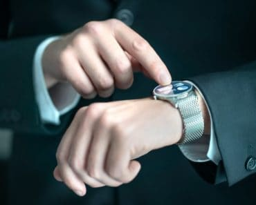 Businessman wearing a smartwatch.