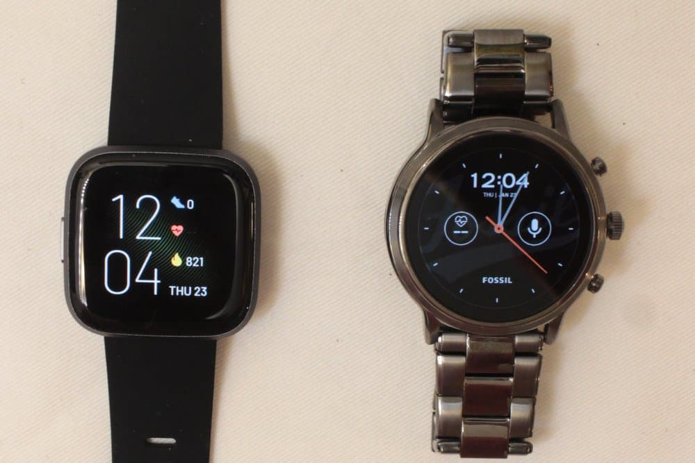 Fitbit Versa 2 vs Fossil Gen 5 Carlyle main screen