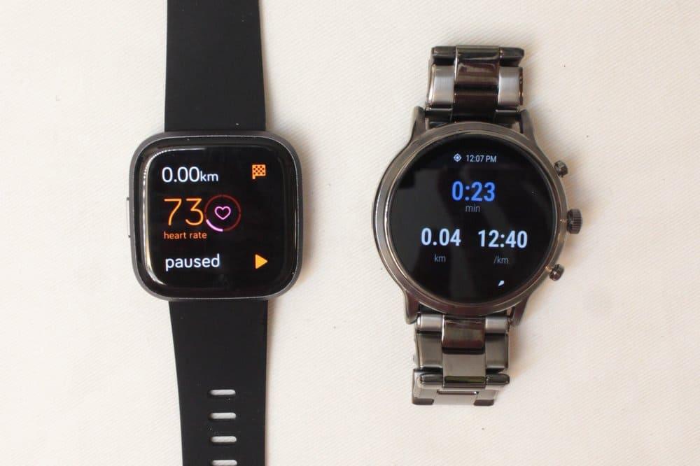 Fitbit Versa 2 vs Fossil Gen 5 in-exercise display