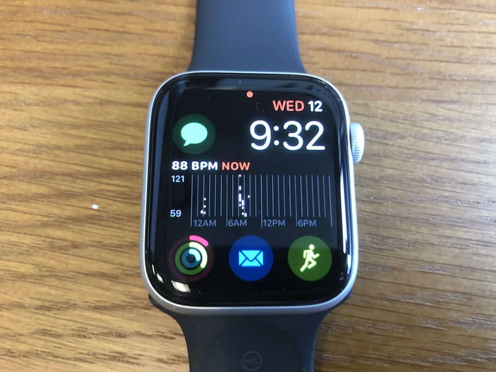 Heart rate chart on home screen of the Apple Watch Series 5
