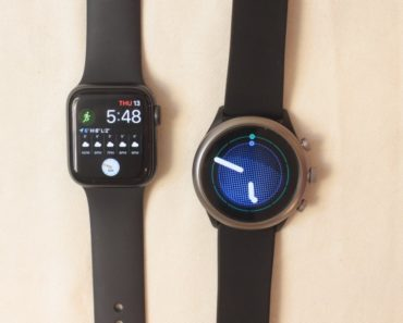 apple watch series 5 vs fossil sport smartwatch main screen