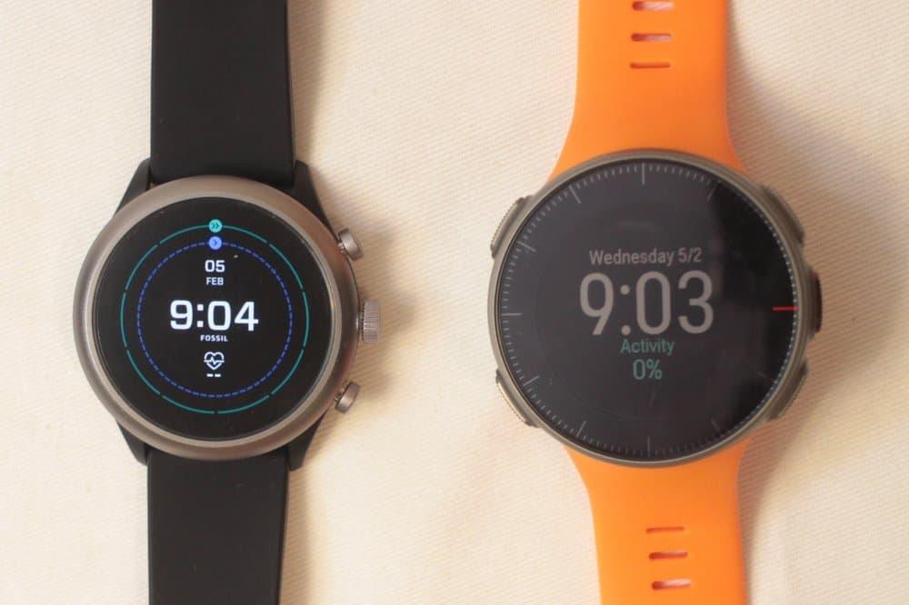 fossil sport smartwatch vs polar vantage v main screen