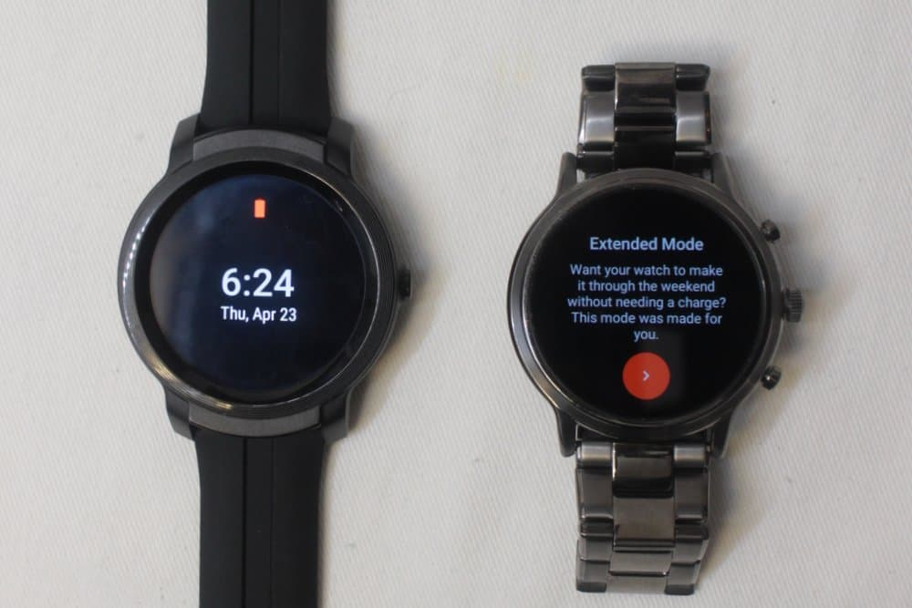 ticwatch e2 vs fossil gen 5 carlyle battery saver