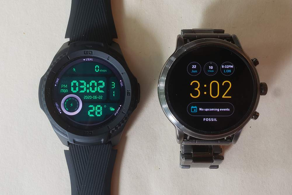 ticwatch s2 vs fossil gen 5 carlyle main screen