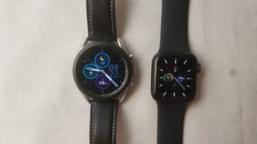 Samsung Galaxy Watch3 vs Apple Watch Series 5 main screen