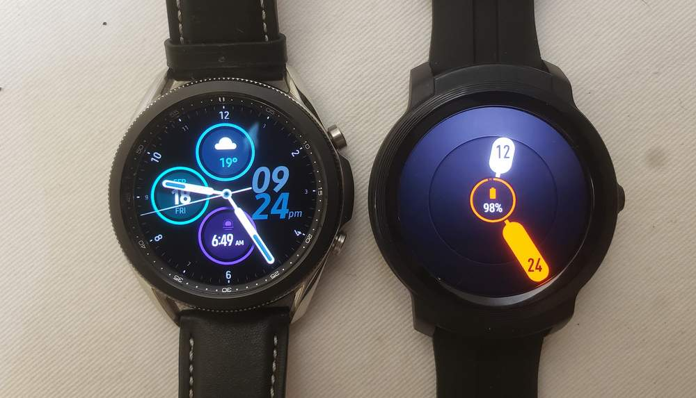 Samsung Galaxy Watch3 vs Ticwatch E2 main screen